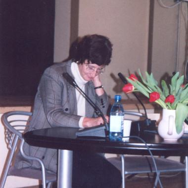 Peatoimetaja prof. Anne Lill